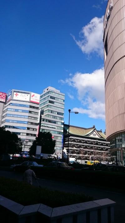 Di depan stasiun Namba.