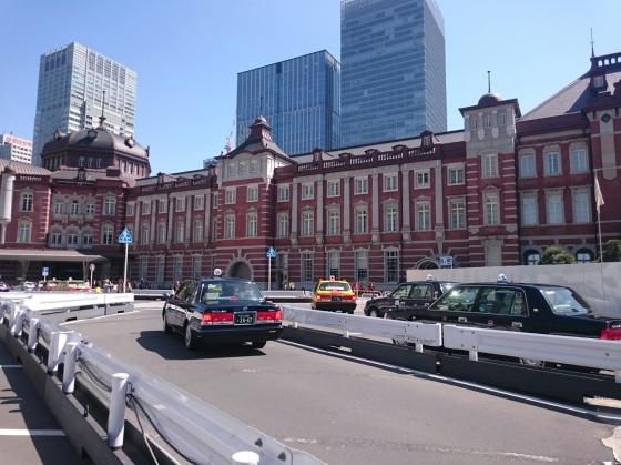 Taksi Tokyo, nggak ada yang model begini di Sendai.
