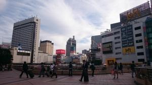 Di depan stasiun Sendai.
